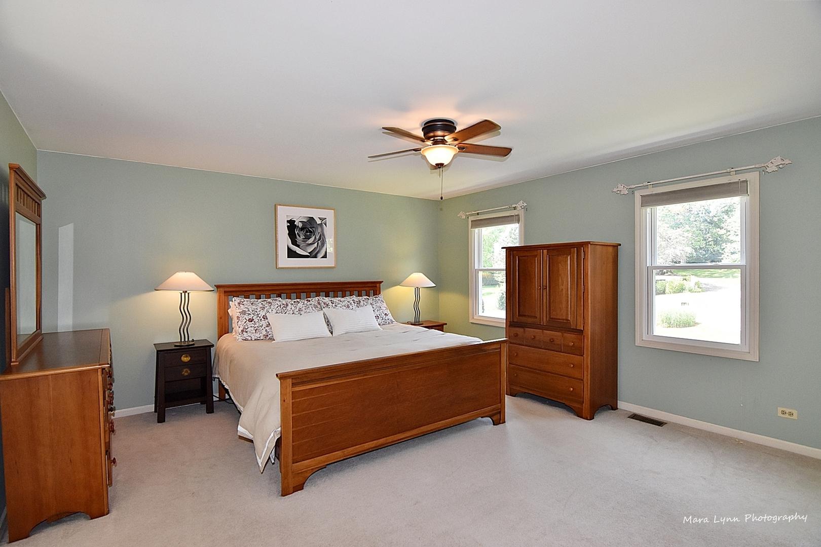 808 Windcrest, Sleepy Hollow, Illinois, 60118