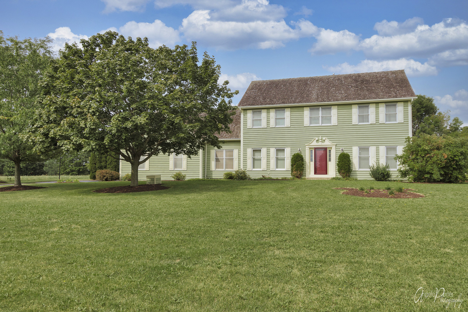 8513 Country Shire Lane, Spring Grove, Il 60081