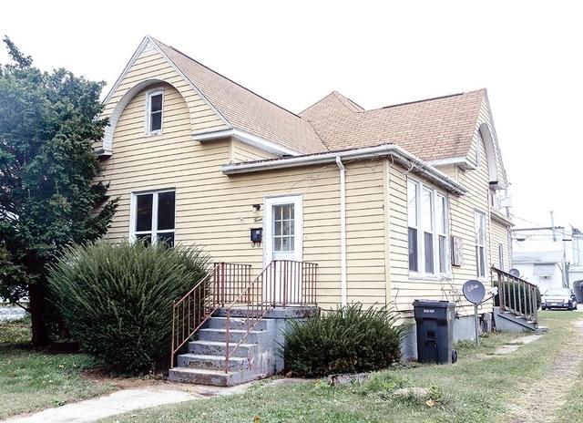 3 N Oak Street, Villa Grove, IL 61956