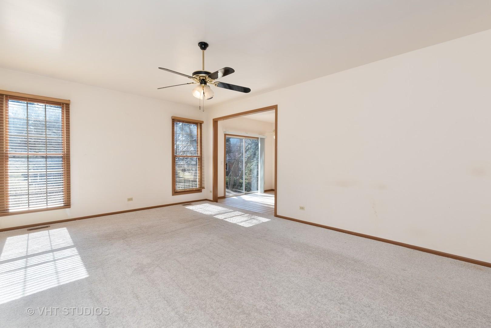 645 DOGLEG, BARTLETT, Illinois, 60103