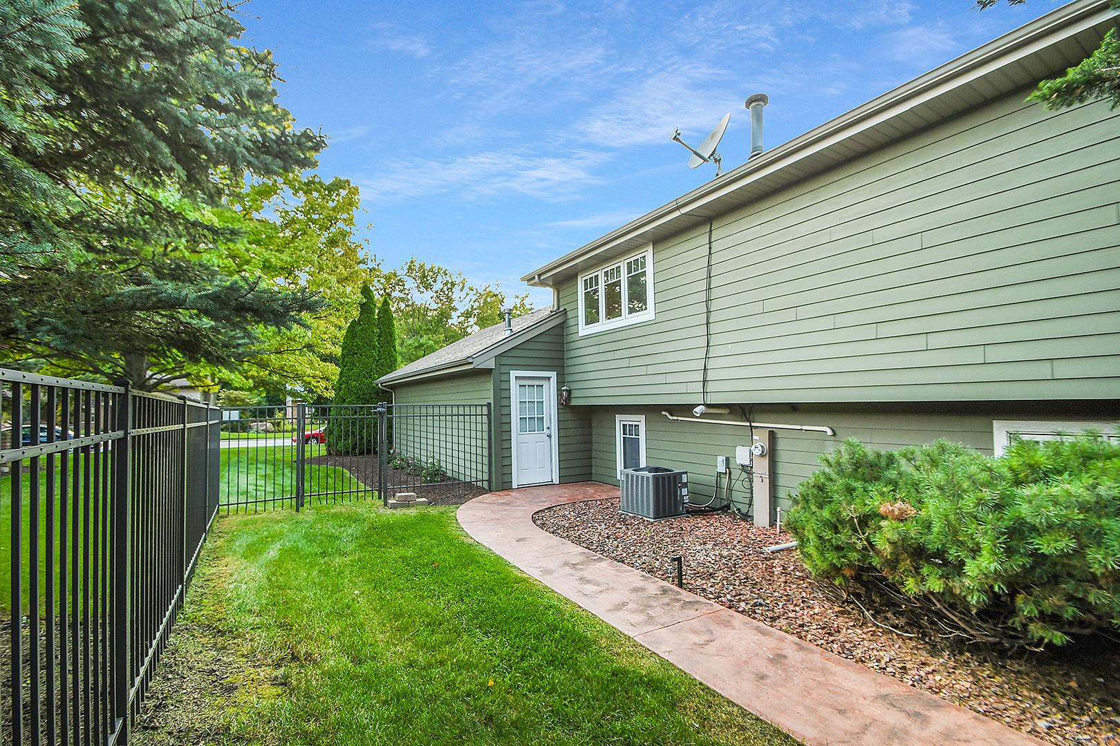 789 Oakwood, Frankfort, Illinois, 60423