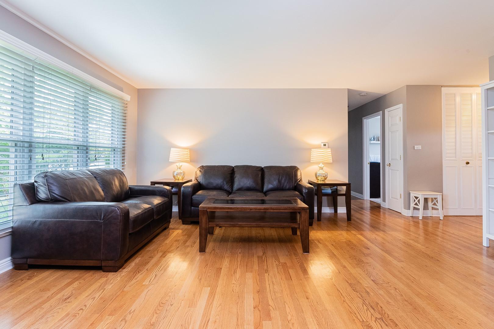 3690 WINSTON, Hoffman Estates, Illinois, 60192