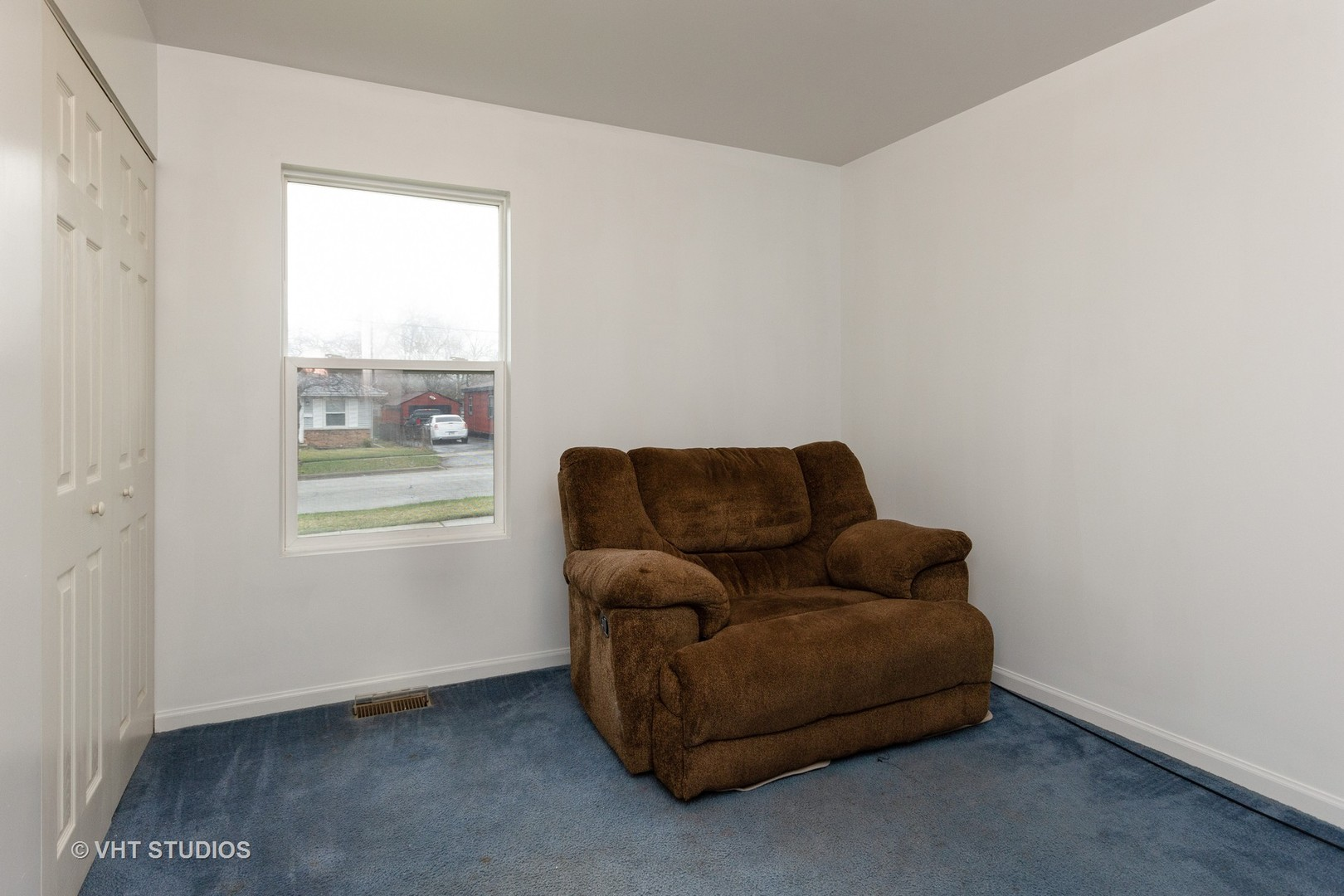 104 North Farnsworth, AURORA, Illinois, 60505