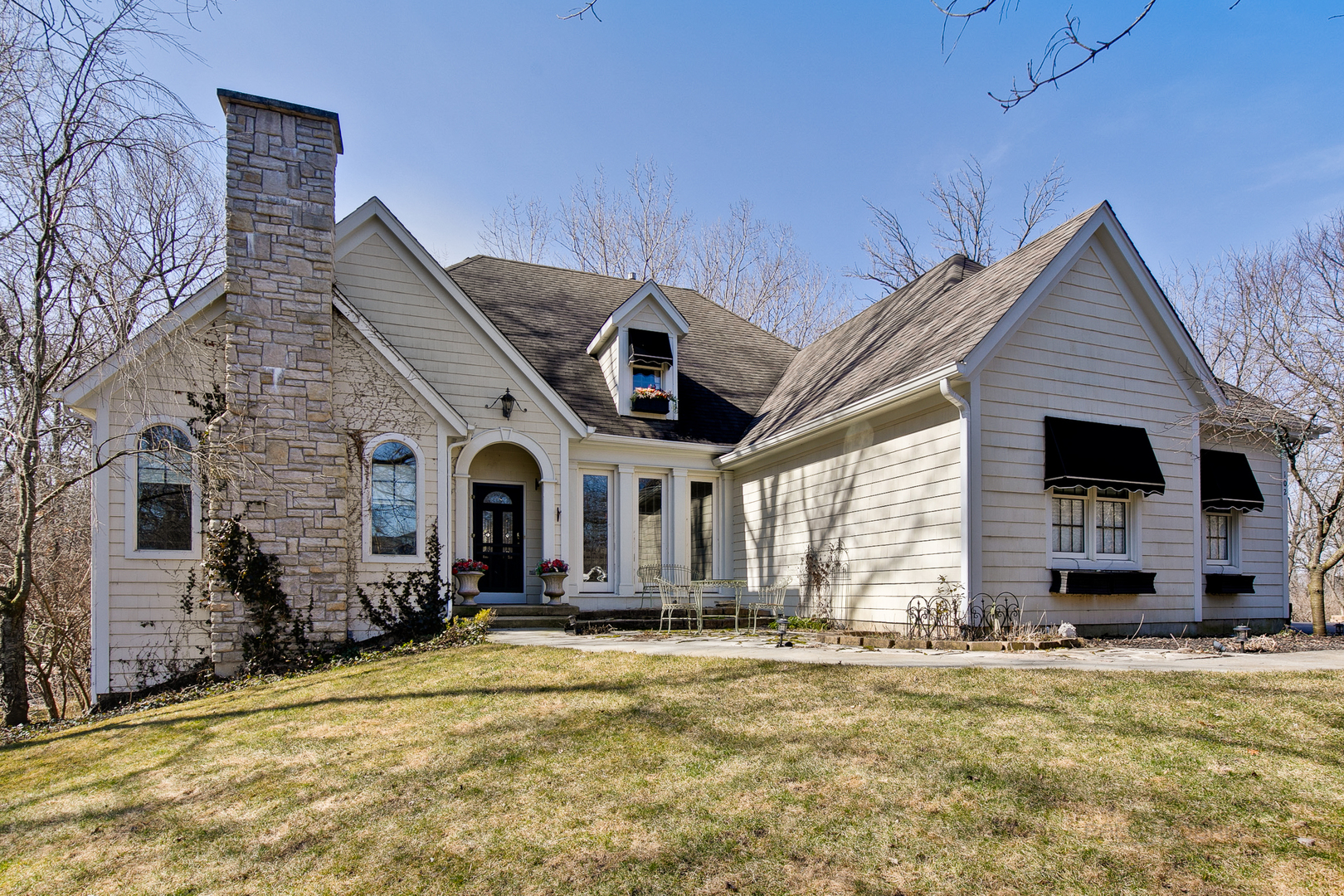 102 Fox Trail, Ingleside, Il 60041