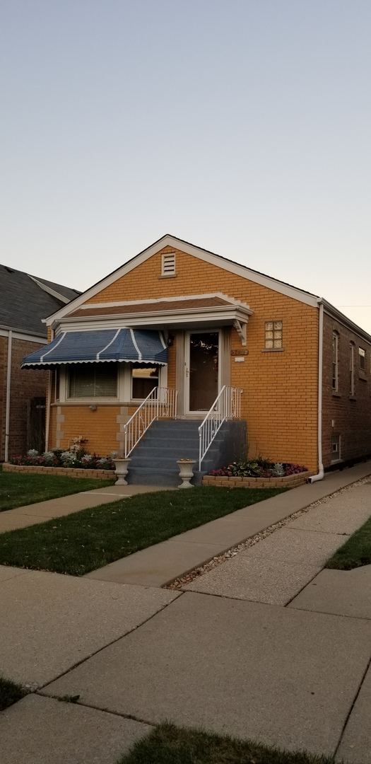 5715 S Kenneth Exterior Photo