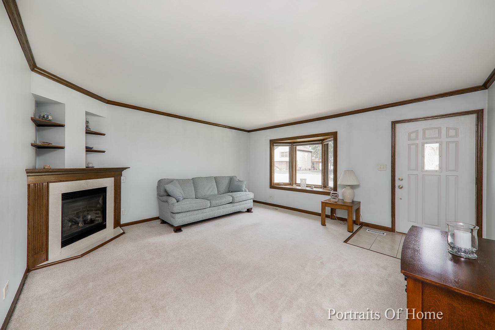 140 SHERMAN, BARTLETT, Illinois, 60103