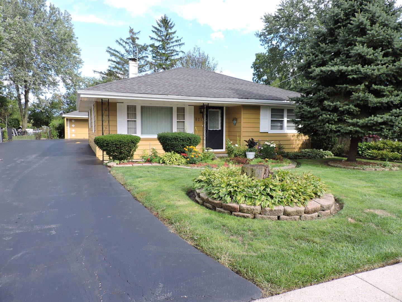 921 Ridge Avenue, Mundelein, Illinois 60060