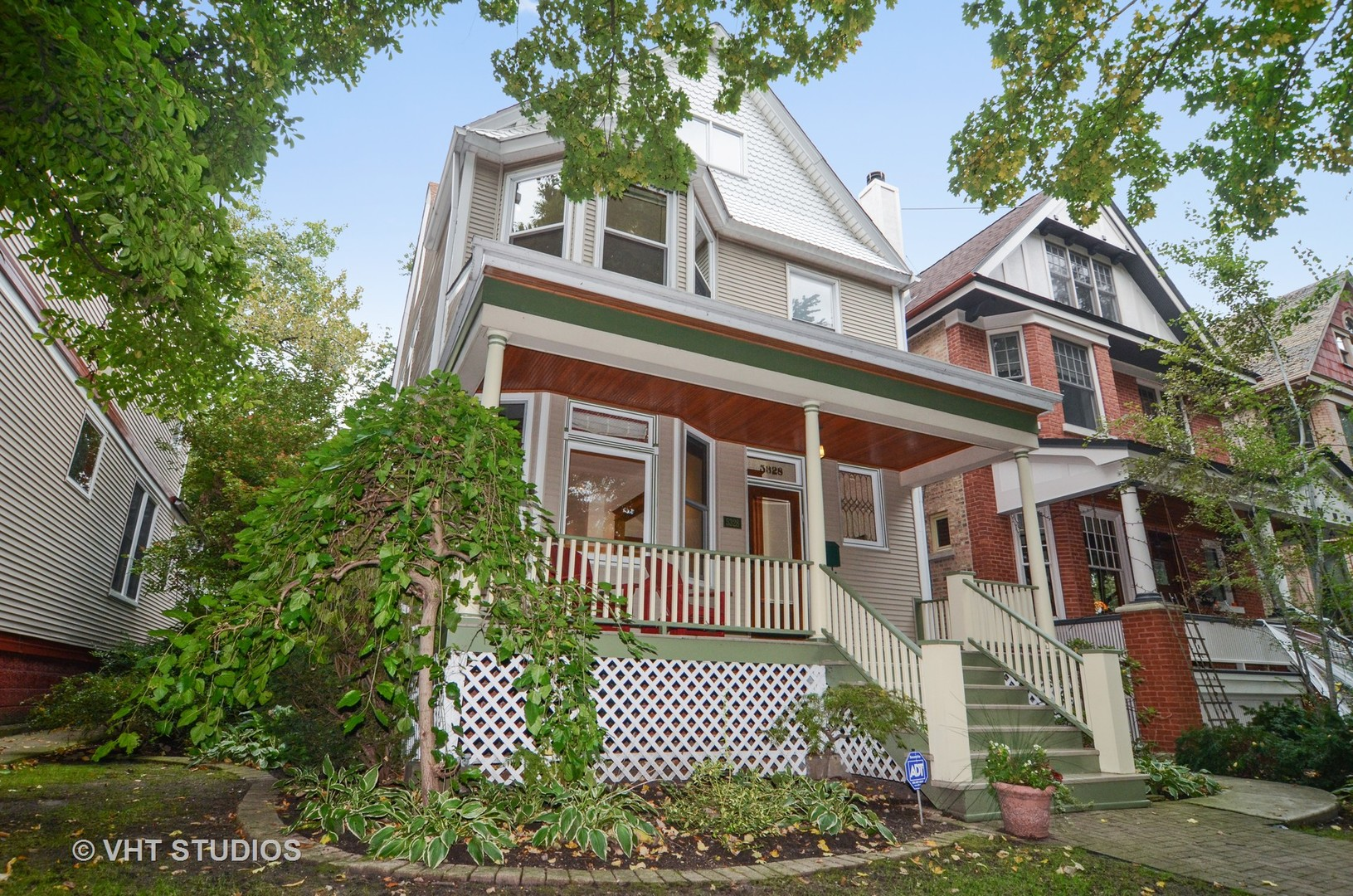 4 House in Edgewater