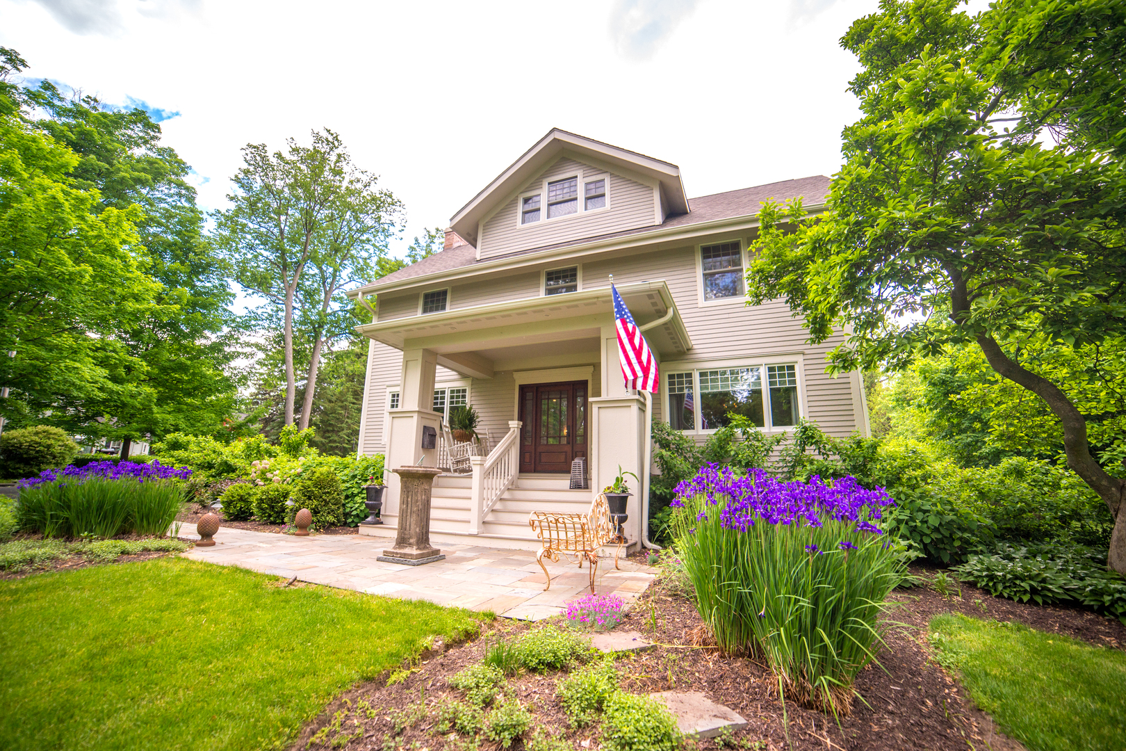 Property for sale at 352 West Woodstock Street, Crystal Lake,  IL 60014