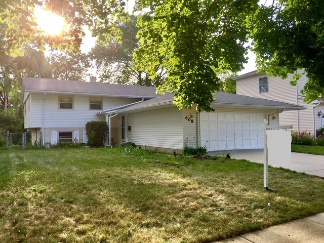 608 Thornwood Drive, Buffalo Grove, Illinois 60089