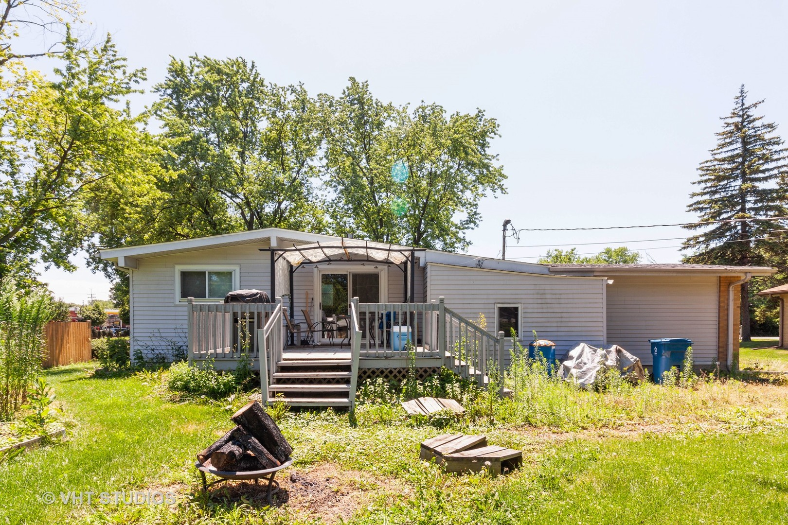 17W062 Hawthorne, Bensenville, Illinois, 60106