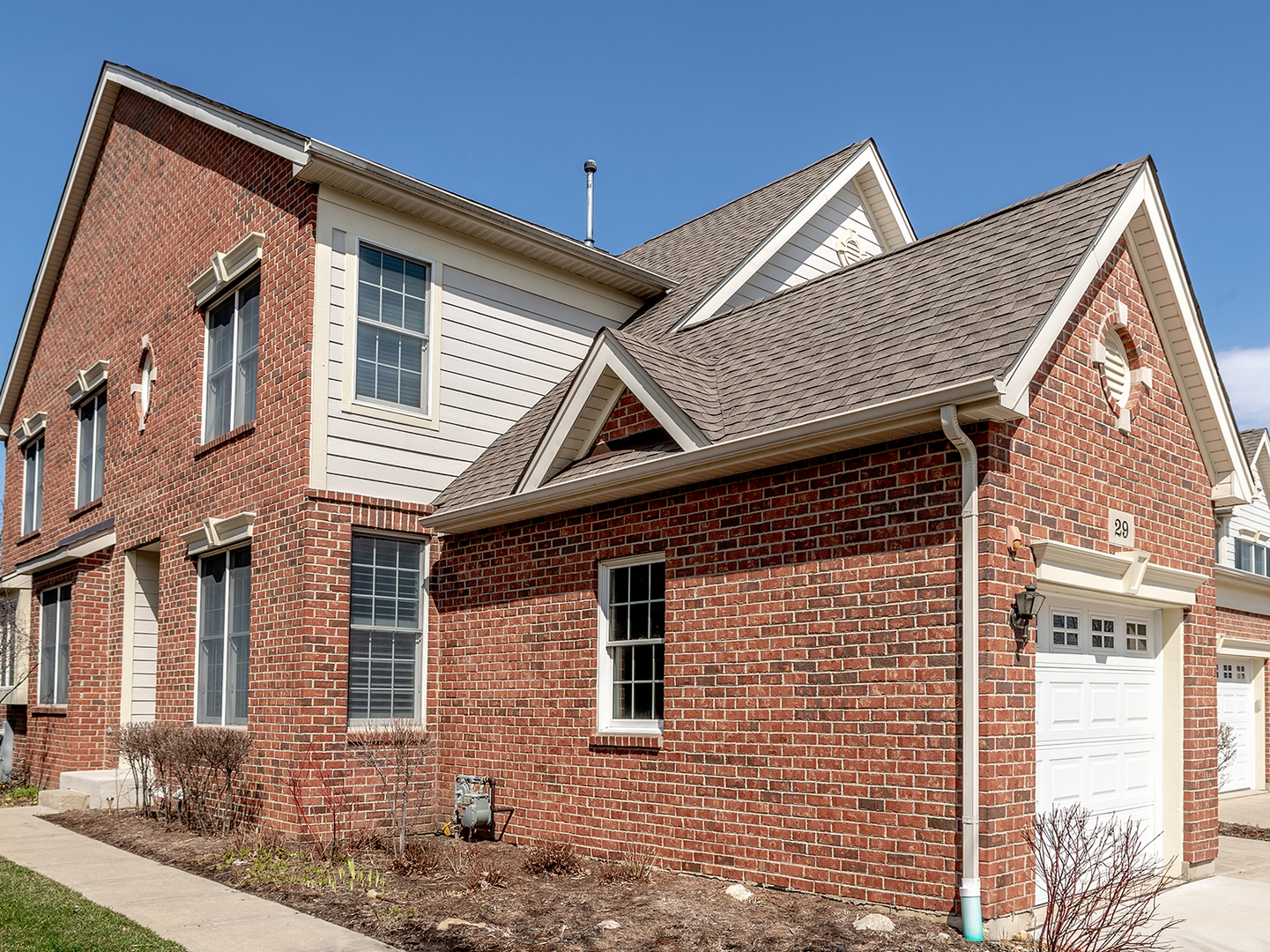 29 Red Tail Drive, Hawthorn Woods, Illinois 60047