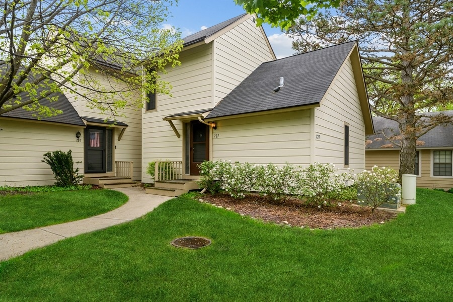 727 Colby Court, Gurnee, Il 60031