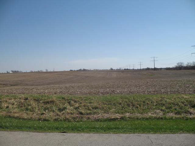 1201 E Eagle Lake Road, Beecher, IL 60401