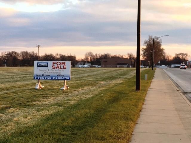 1 Christine Drive, Bradley, IL 60915