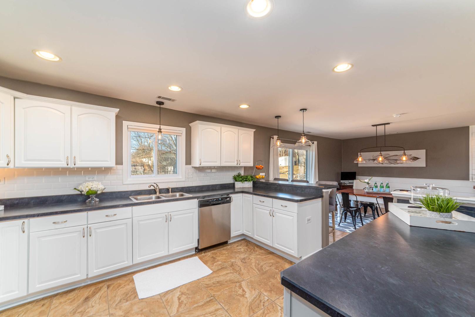 1640 KENT, Hoffman Estates, Illinois, 60169