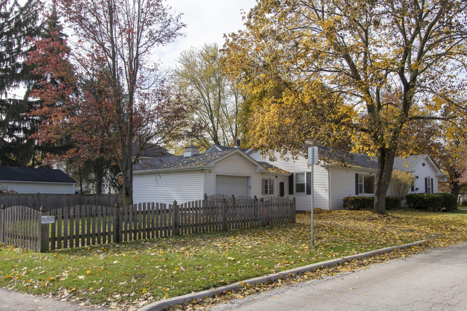 121 Mosedale, ST. CHARLES, Illinois, 60174