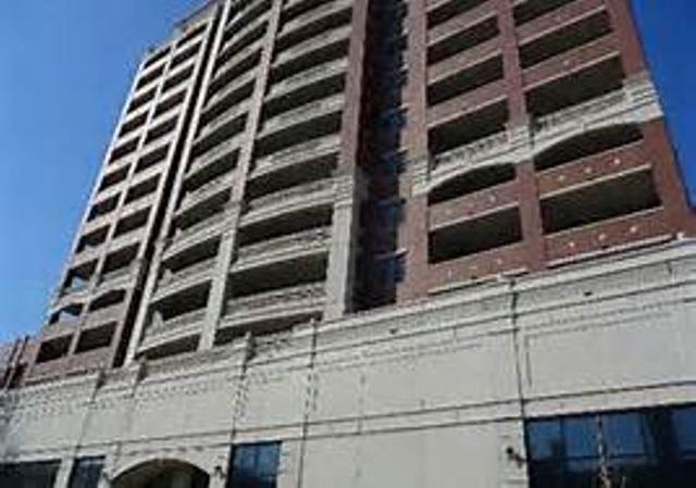 West Grace St., CHICAGO, IL 60613