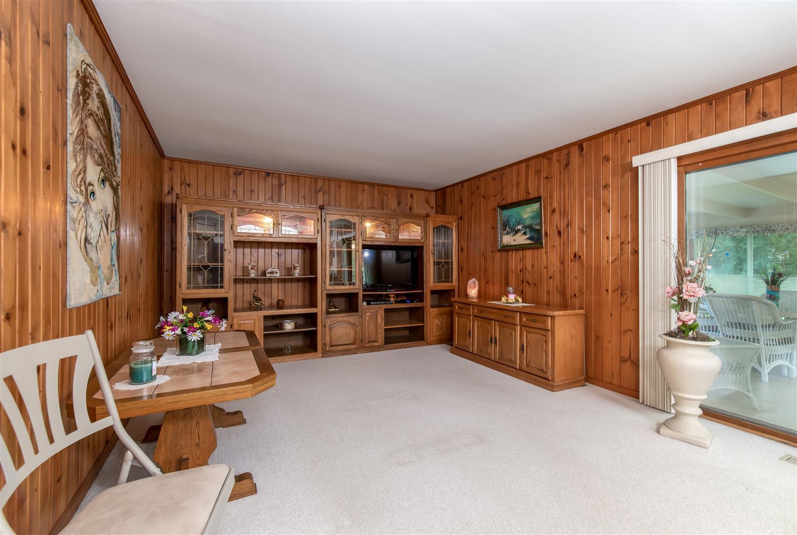885 Hunter, Roselle, Illinois, 60172