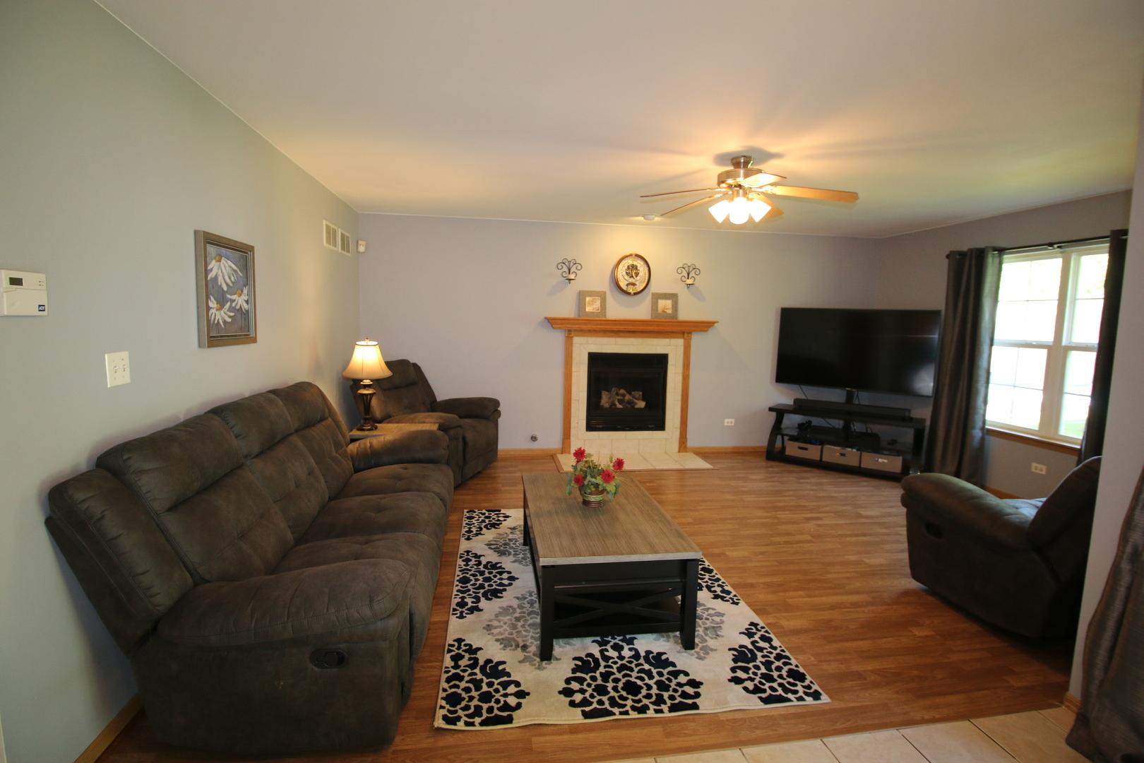 25725 Linden, Monee, Illinois, 60449