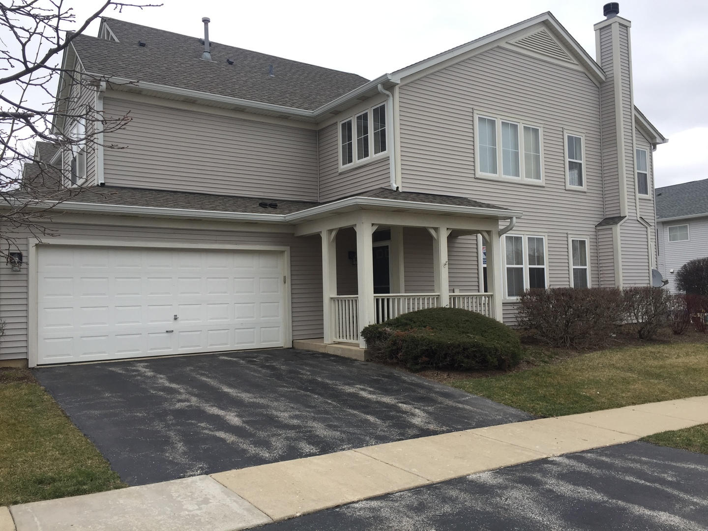 2858 Falling Waters Lane, Unit 2858, Lindenhurst, Illinois 60046