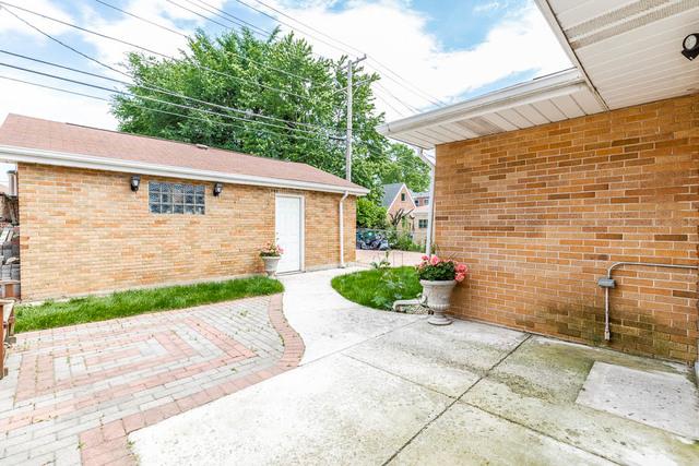 7648 West Oakton, NILES, Illinois, 60714