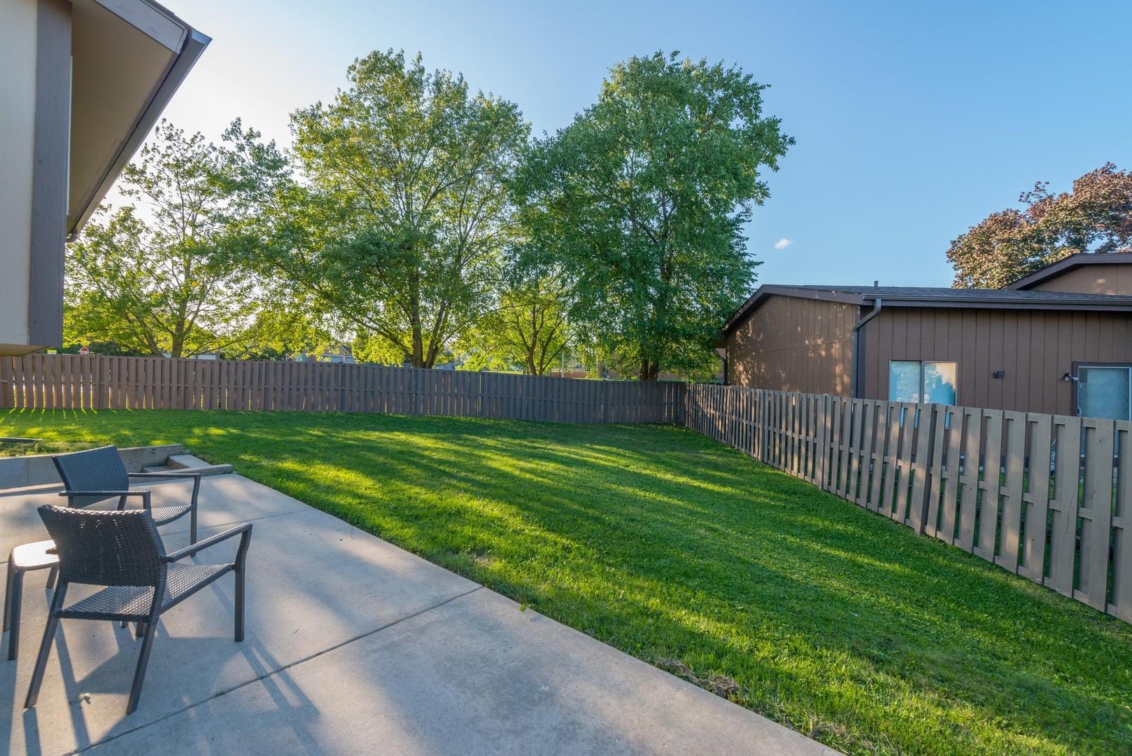 480 Carlsbad, Roselle, Illinois, 60172