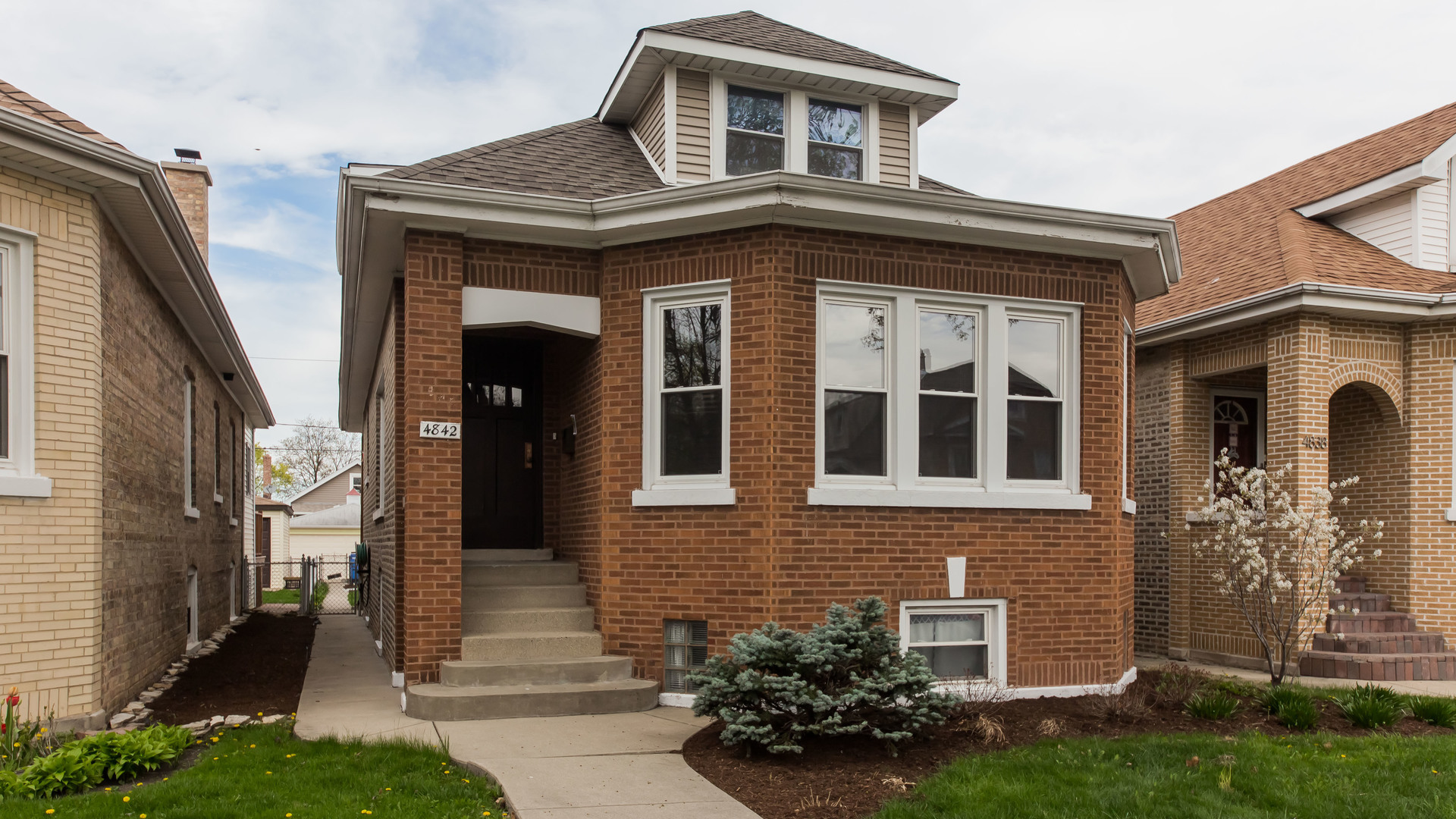 4842 W Ainslie Exterior Photo