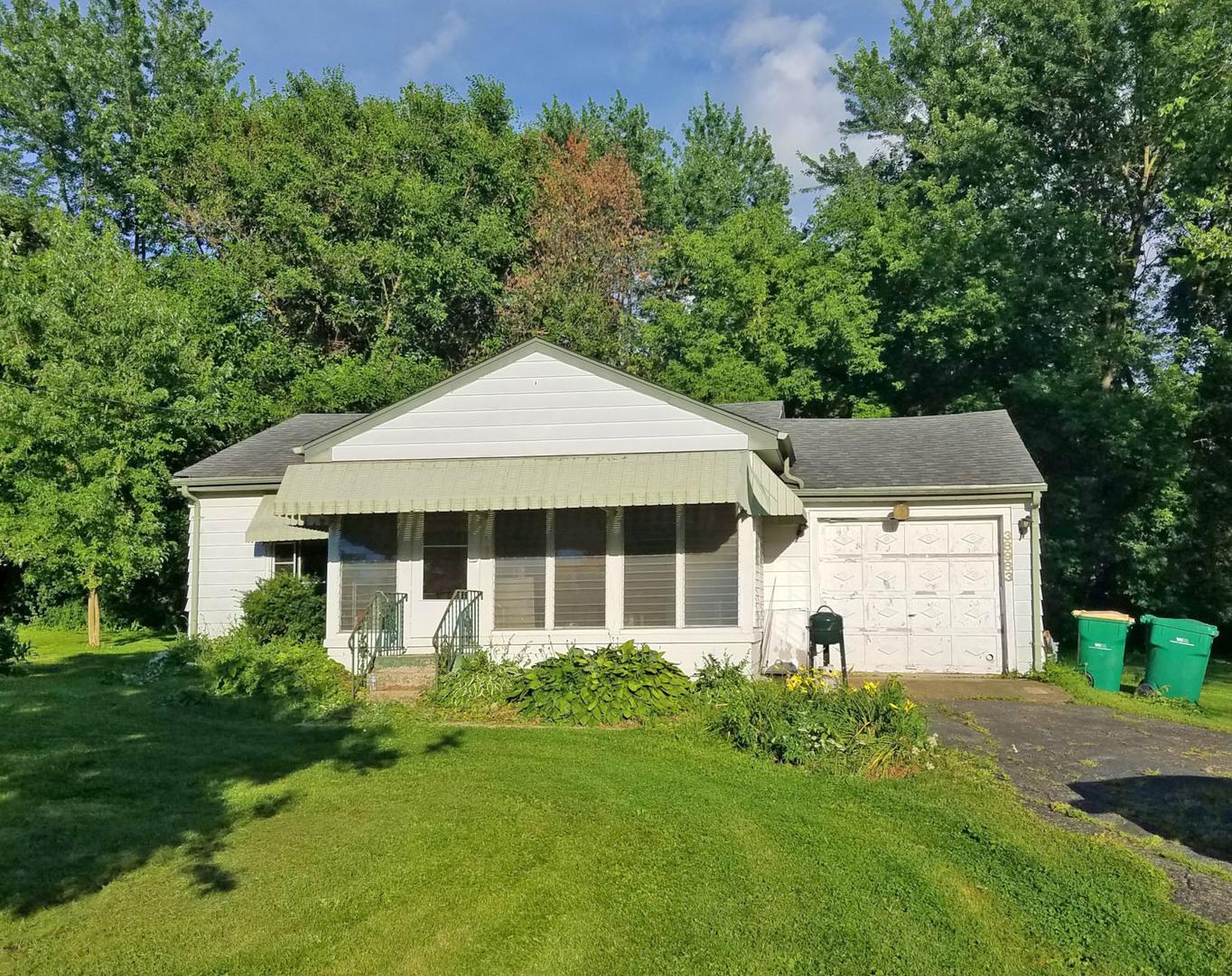 38983 North Cedar Crest Drive, Lake Villa, Illinois 60046