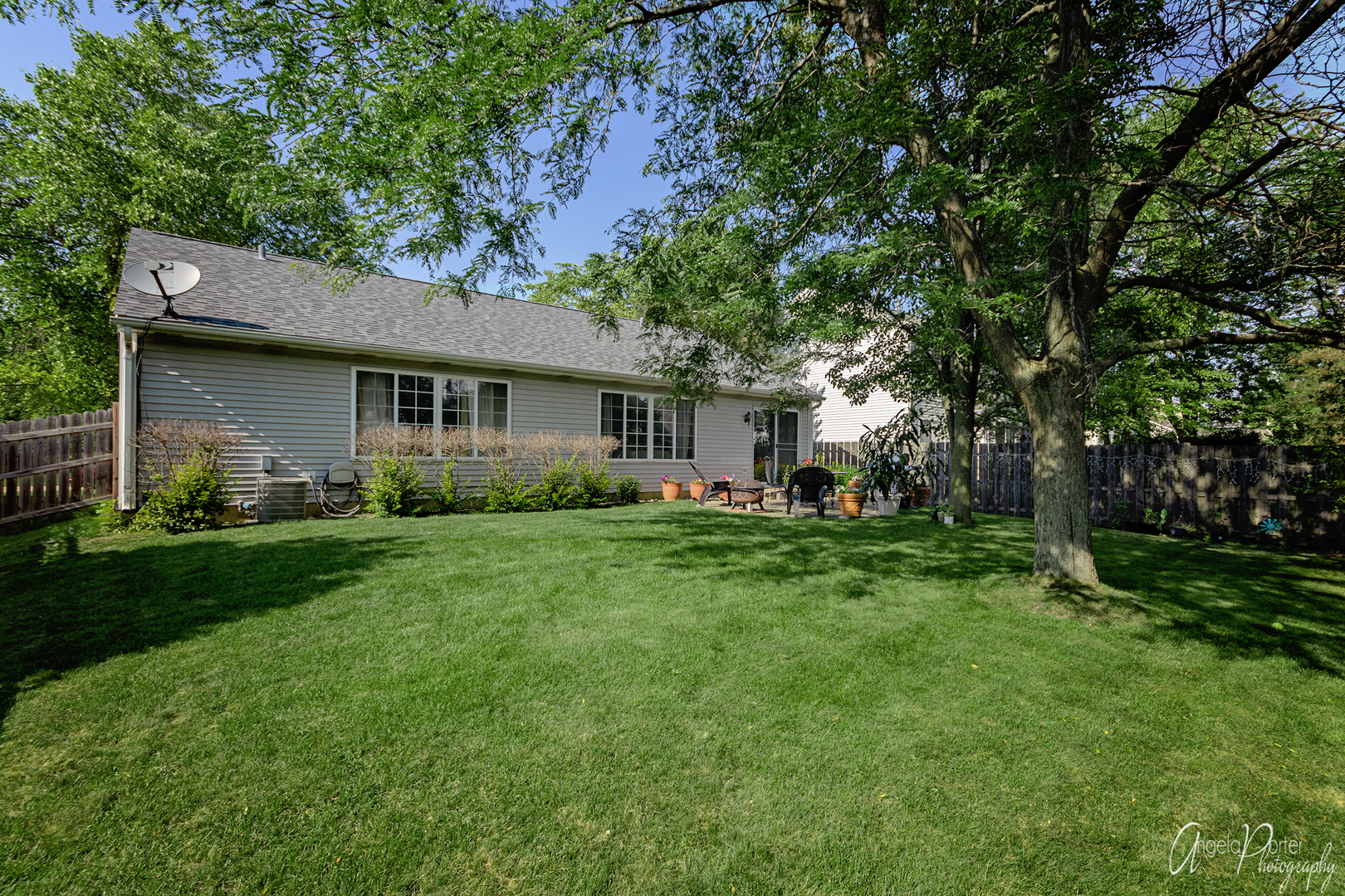 127 Suffolk, Grayslake, Illinois, 60030