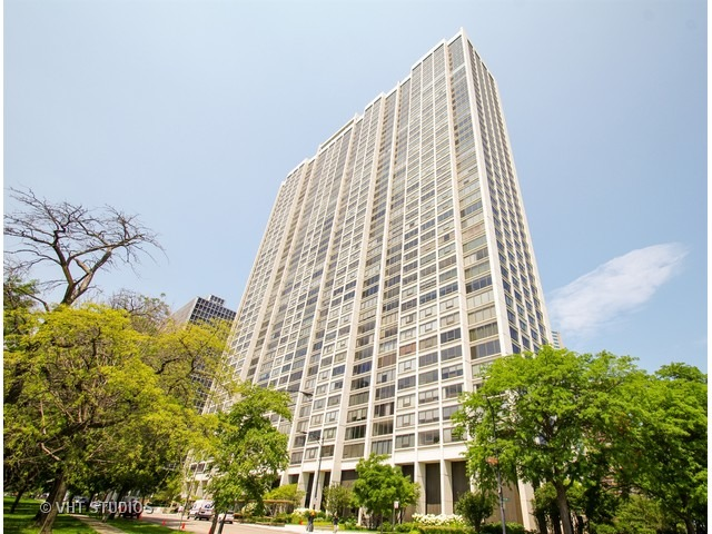 2 Apartment in Lake View