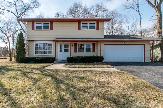 70 Orchard Lane, Lindenhurst, Illinois 60046