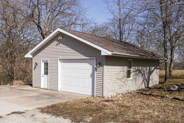2292 Deer Ridge, Carlock, Illinois, 61725