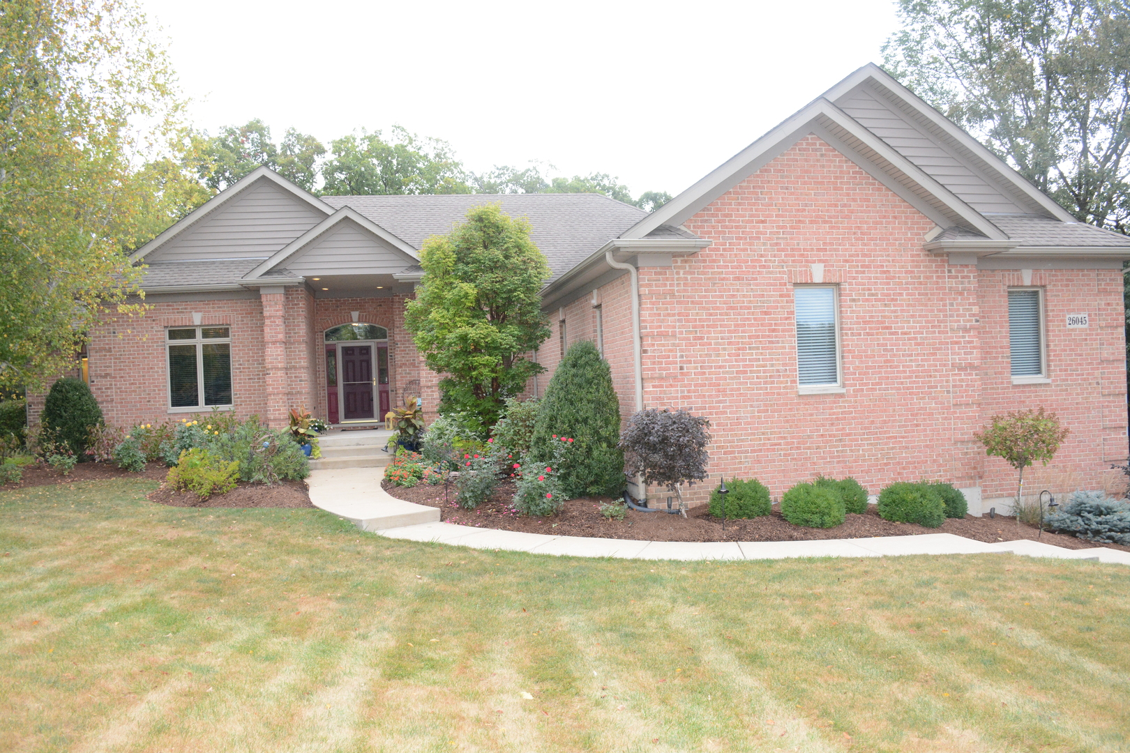 26045 West Laurel Court, Wauconda, Illinois 60084