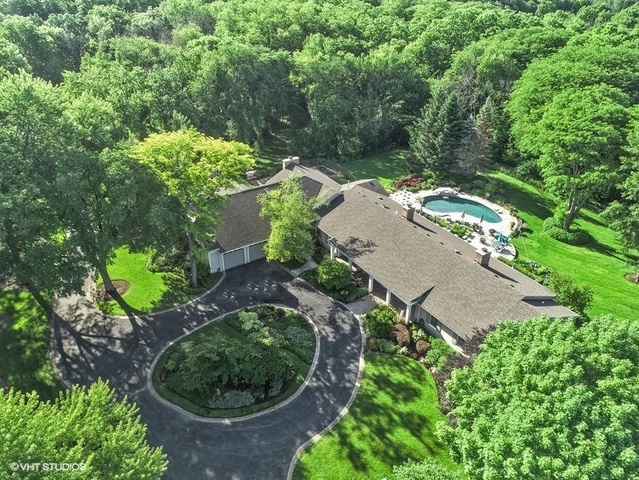 52 Brinker Road, Barrington Hills, Illinois 60010