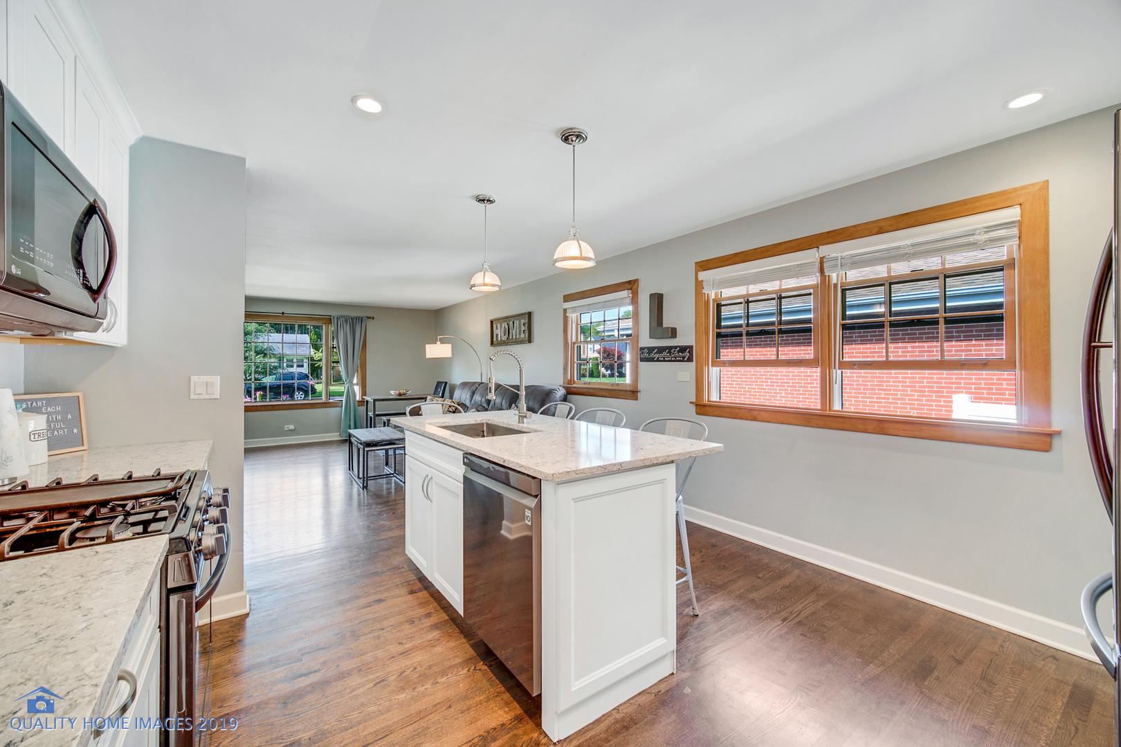 113 North Fairview, Mount Prospect, Illinois, 60056