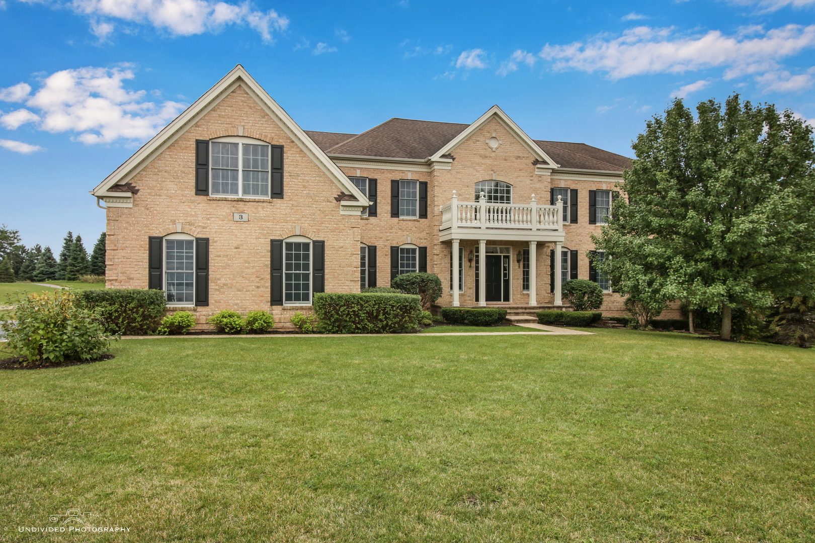 3 Briar Creek Drive, Hawthorn Woods, Illinois 60047