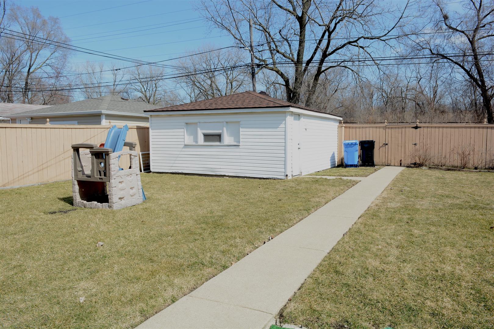 8847 South Eggleston, CHICAGO, Illinois, 60620