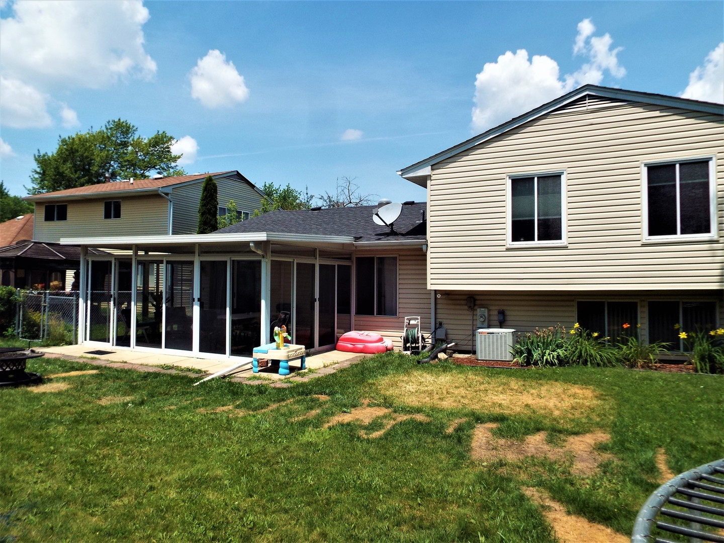 729 Country, Roselle, Illinois, 60172