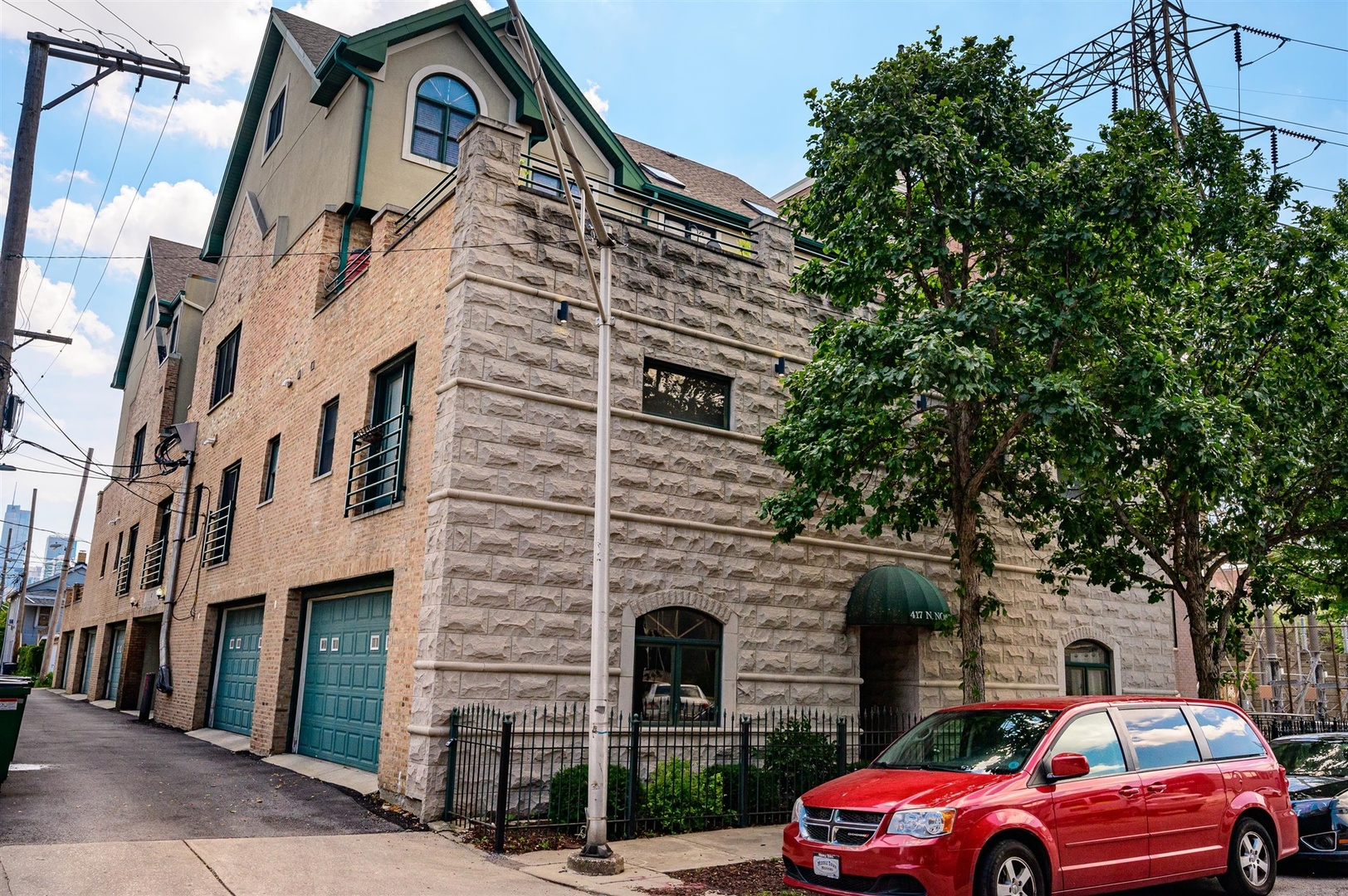417 N NOBLE Exterior Photo