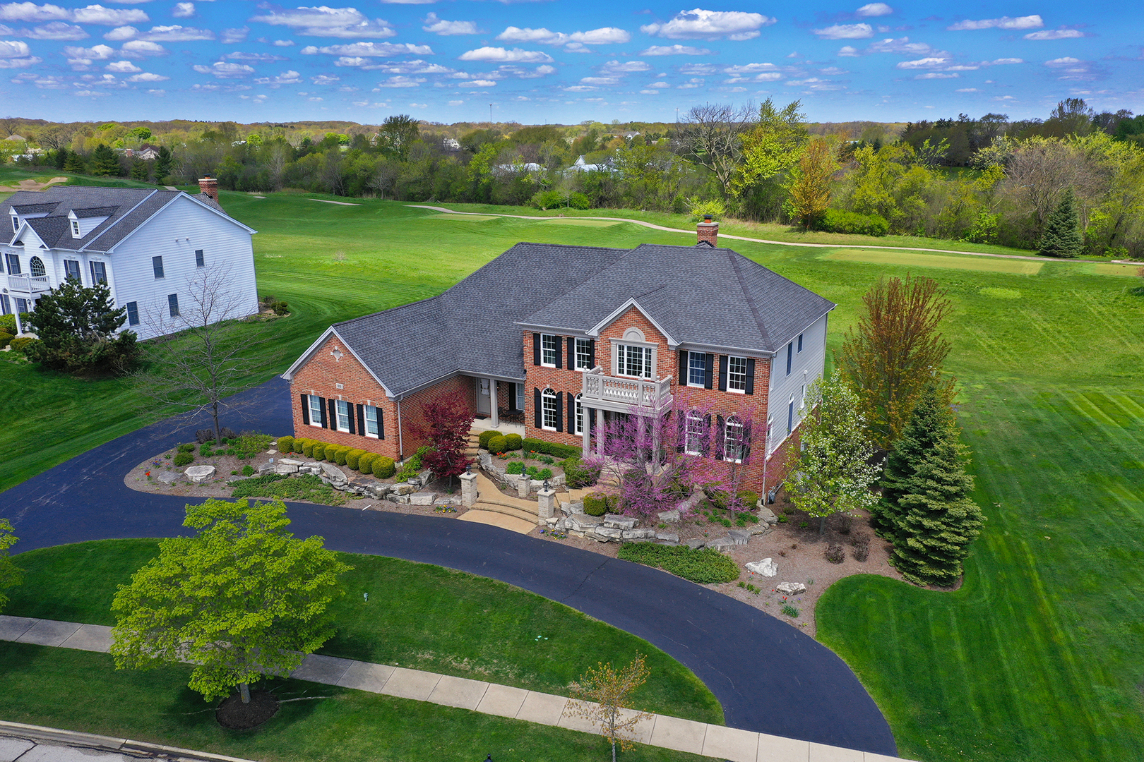 25 Tournament Drive, Hawthorn Woods, Illinois 60047