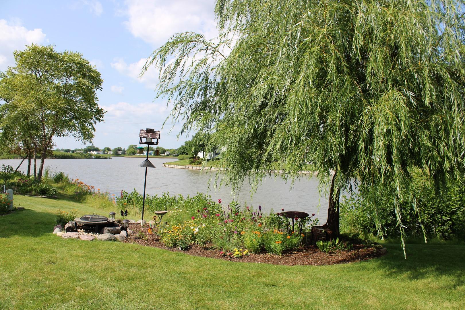 12 Devonshire, Grayslake, Illinois, 60030