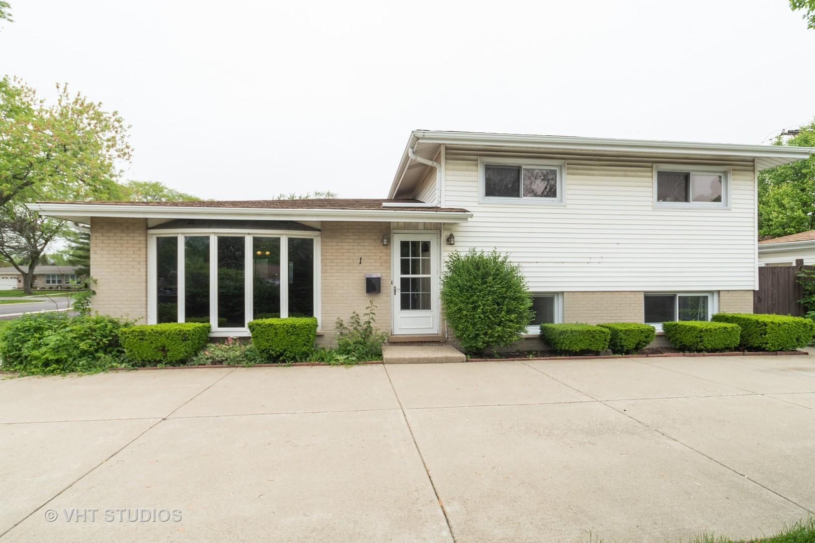 1 Stacy, Glenview, Illinois, 60025