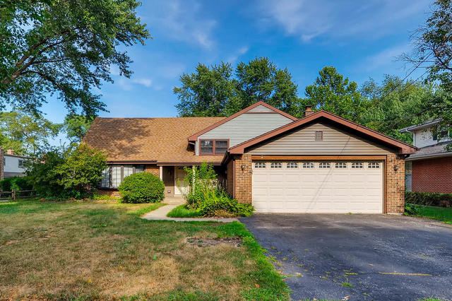North Chestnut Ave., Arlington Heights, IL 60004