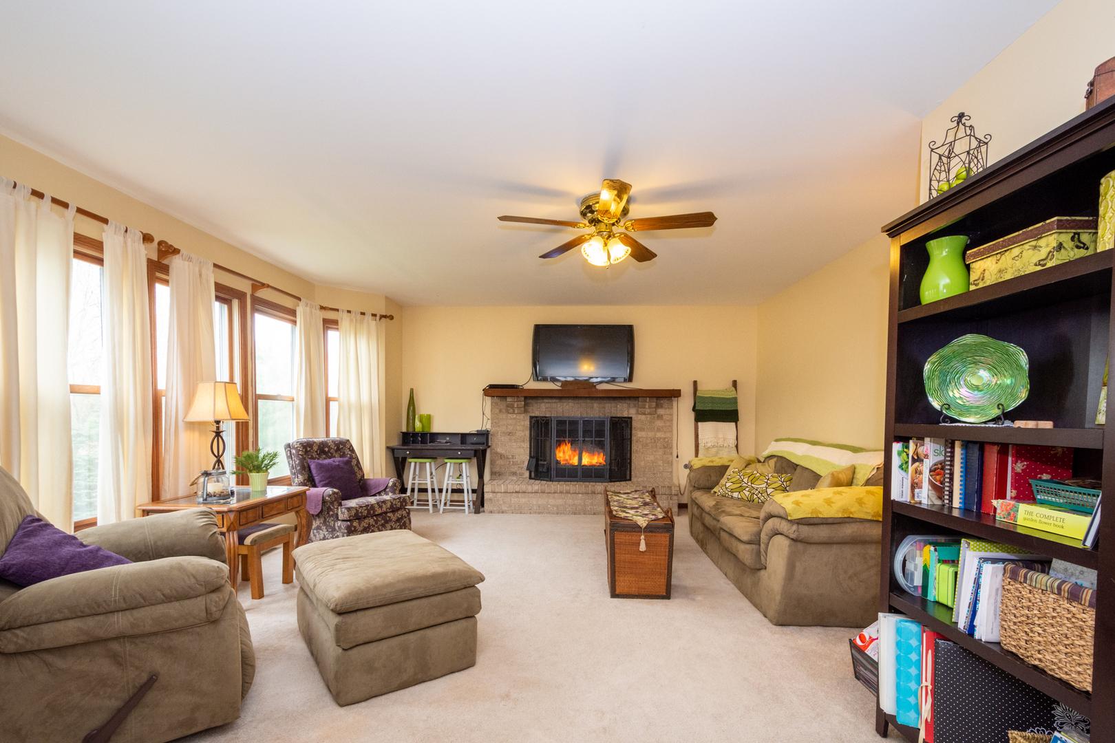 316 Sterbenz, ANTIOCH, Illinois, 60002
