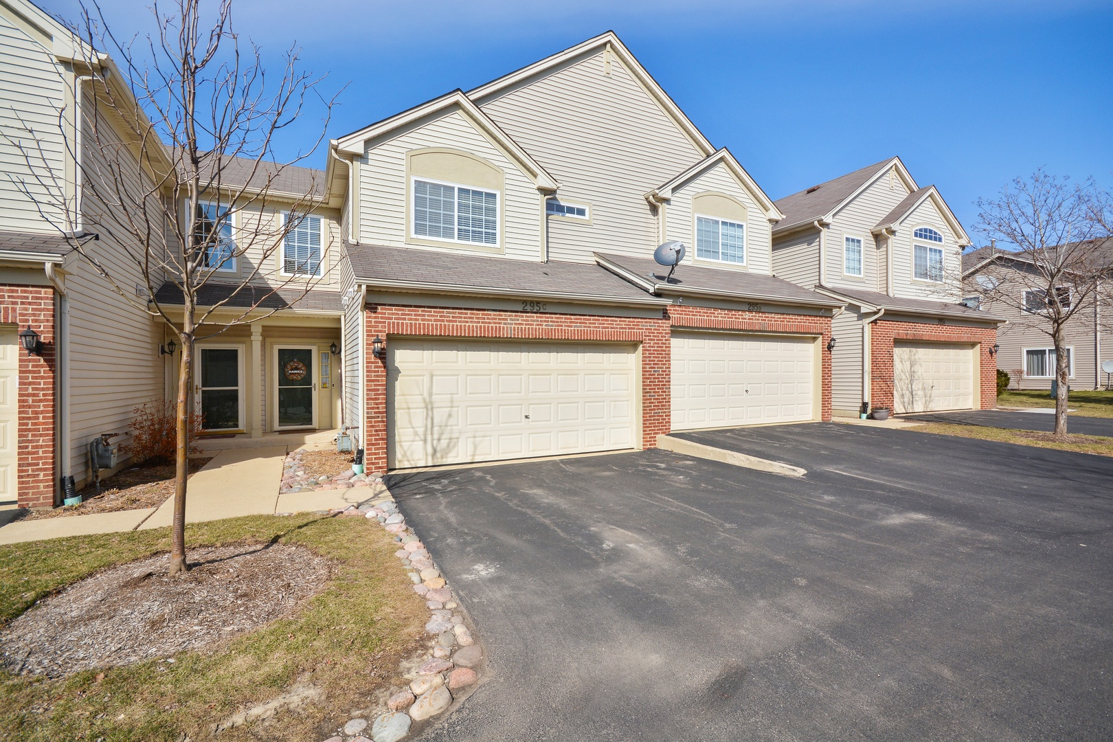 295  Thornwood,  SOUTH ELGIN, Illinois