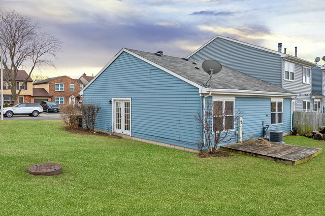 1345 Georgetown, Carol Stream, Illinois, 60188