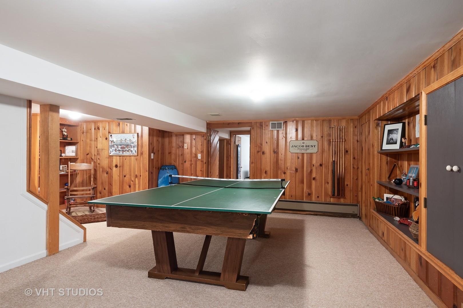 37 Park, Golf, Illinois, 60029