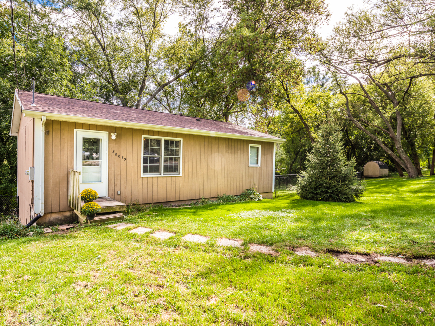38079 North Harold Place, Spring Grove, Illinois 60081