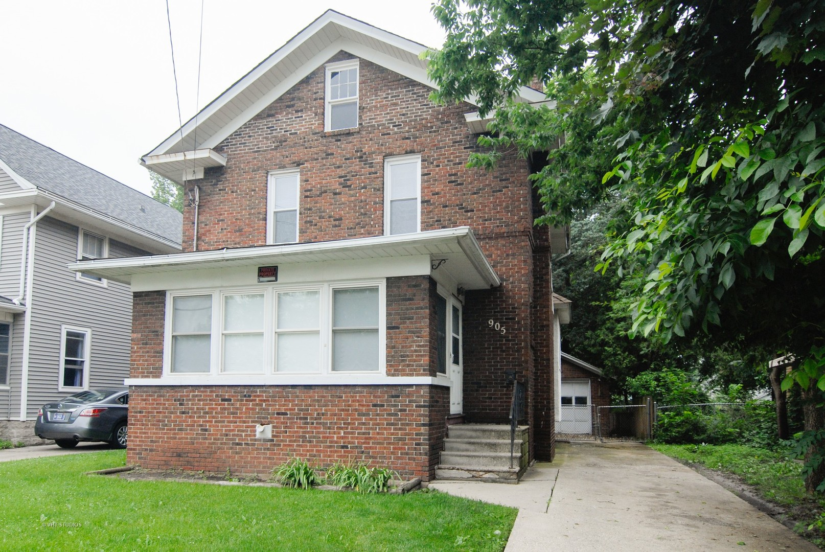 905 5th Street   AURORA Illinois 60505